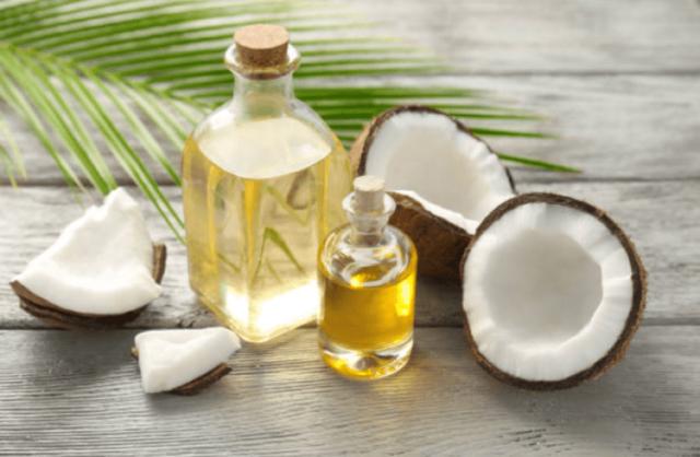 Tinh dầu dừa có khả năng chống viêm và kháng khuẩn hiệu quả giúp chữa viêm nhanh chóng