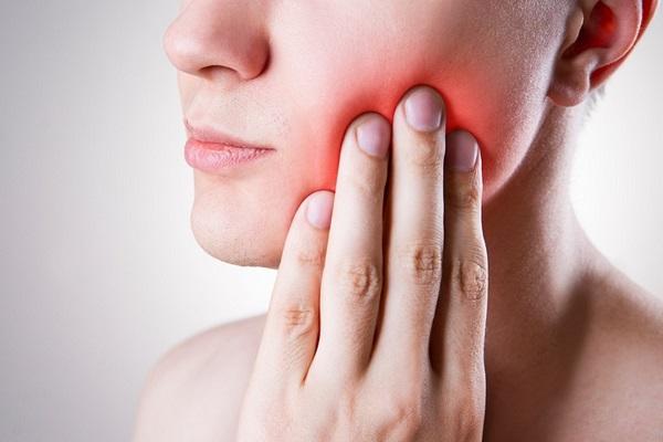 Làm răng sứ thẩm mỹ sau bao lâu thì hết ê buốt?